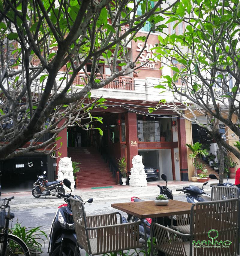 Khách sạn San San