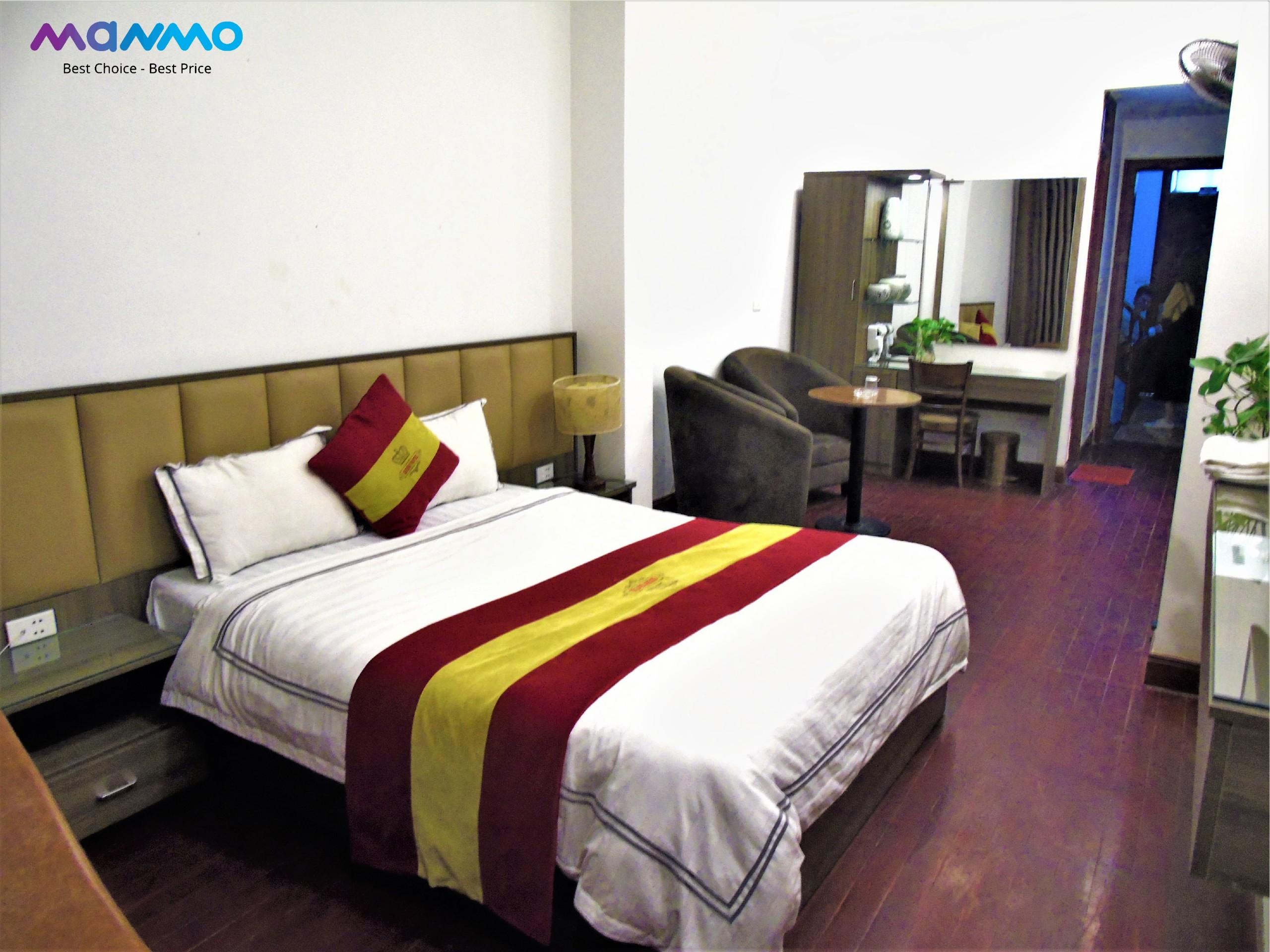ManMo Queen Hotel