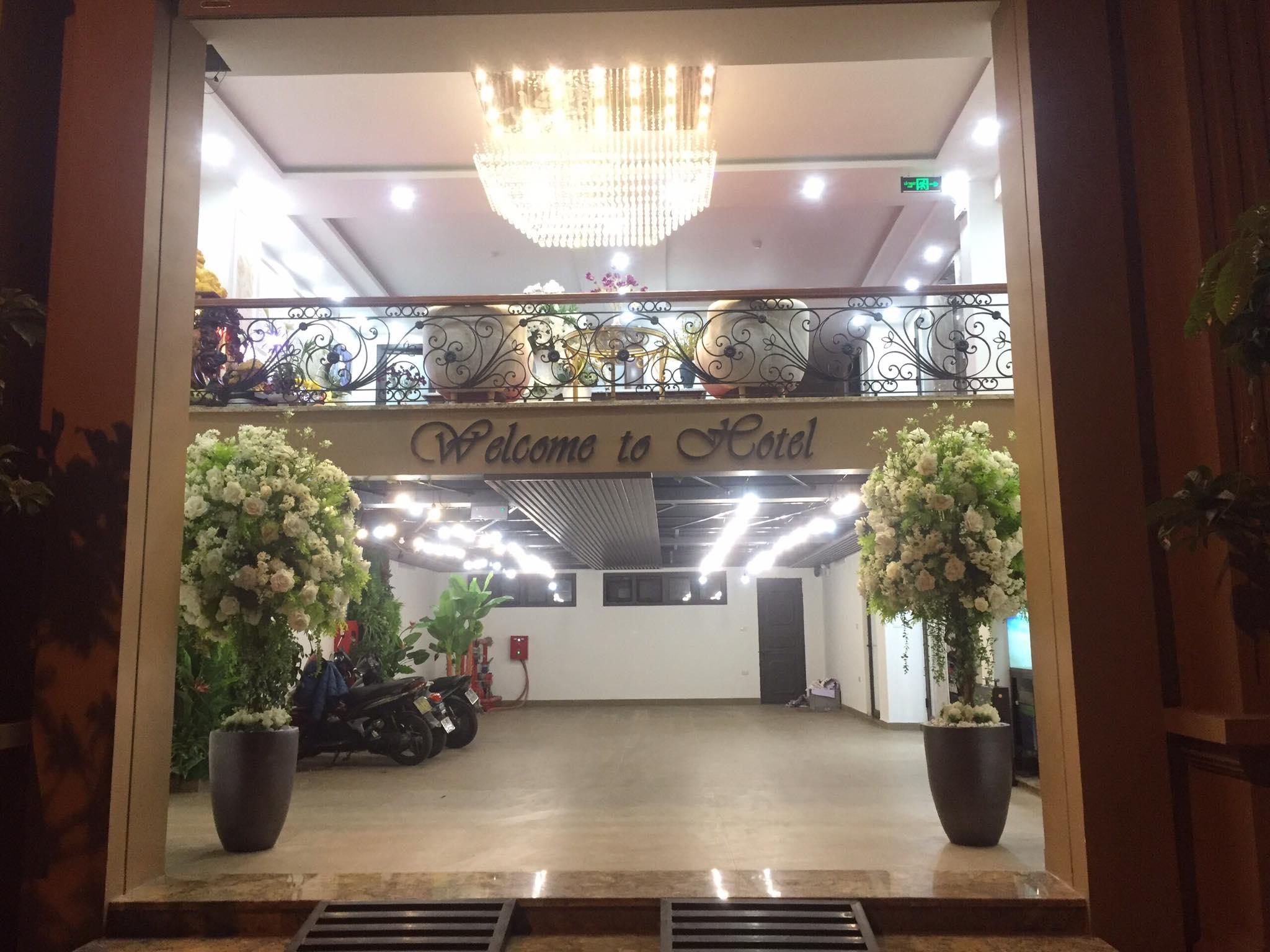 ManMo The Sun Hotel