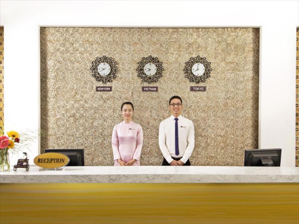 Khách sạn Saga